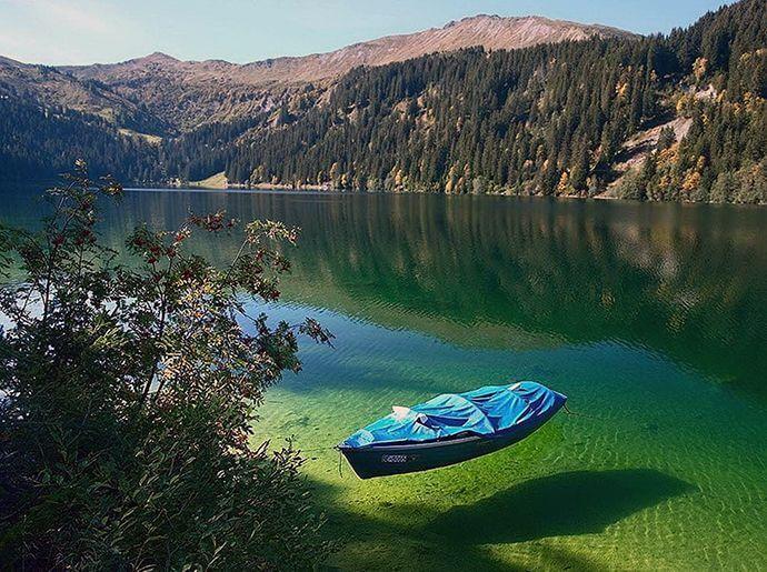 Саме прозоре озеро в світі