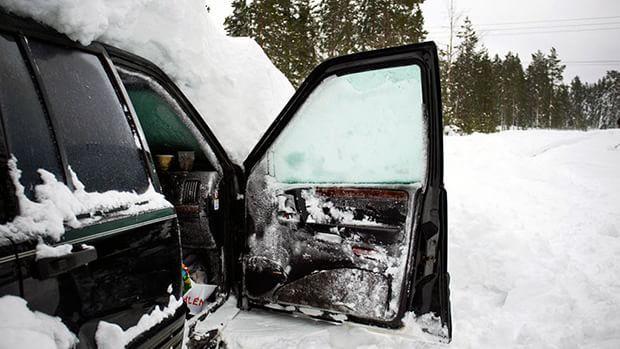 Швед вижив після 2 місяців, проведених в заваленій снігом машині