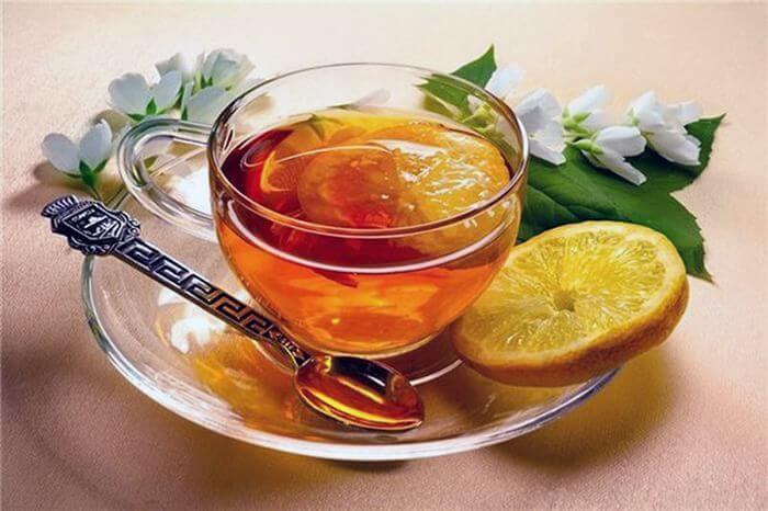 Чай з медом і лимоном