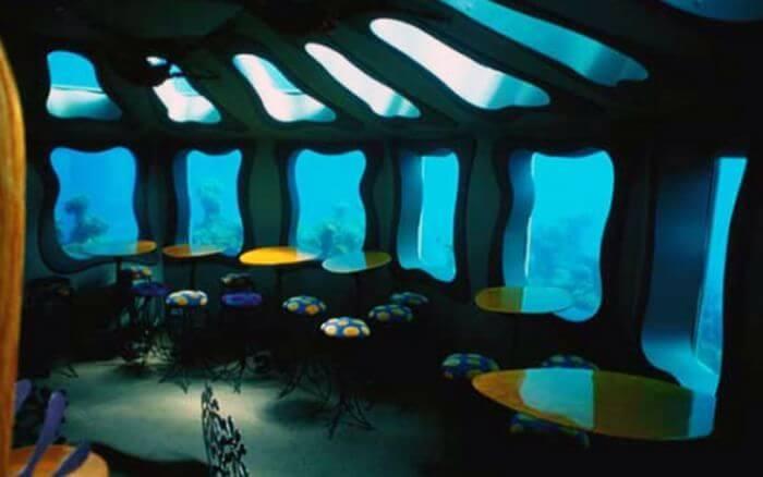 """Первый - подводный бар - """"Красная морская звезда"""""""