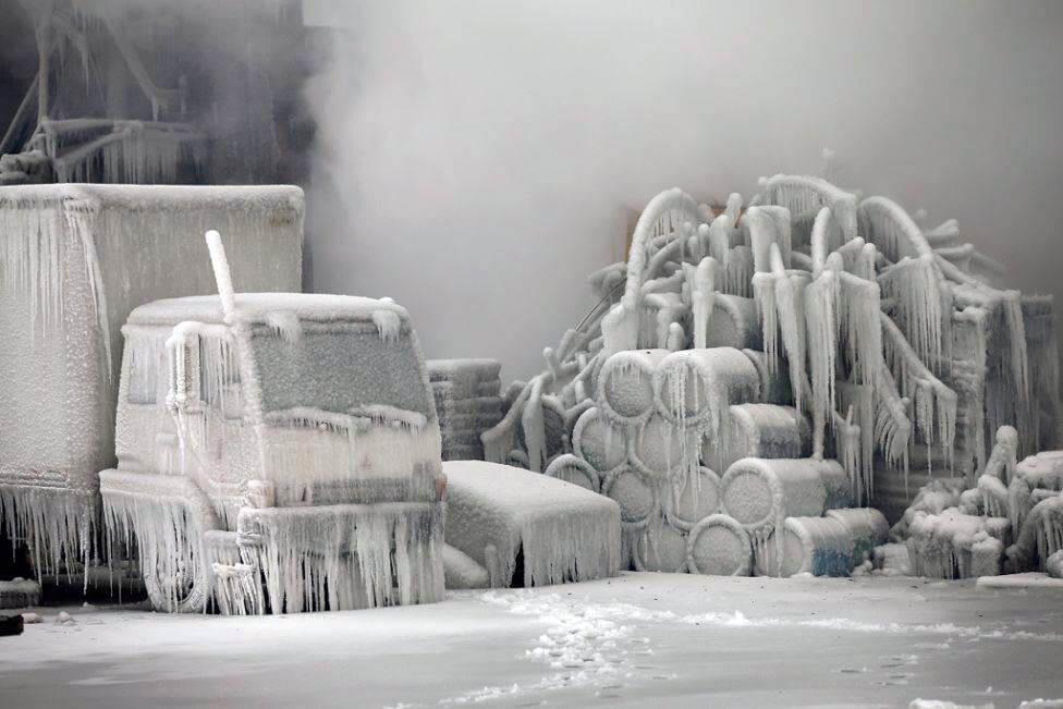 Дивне протистояння вогню і льоду