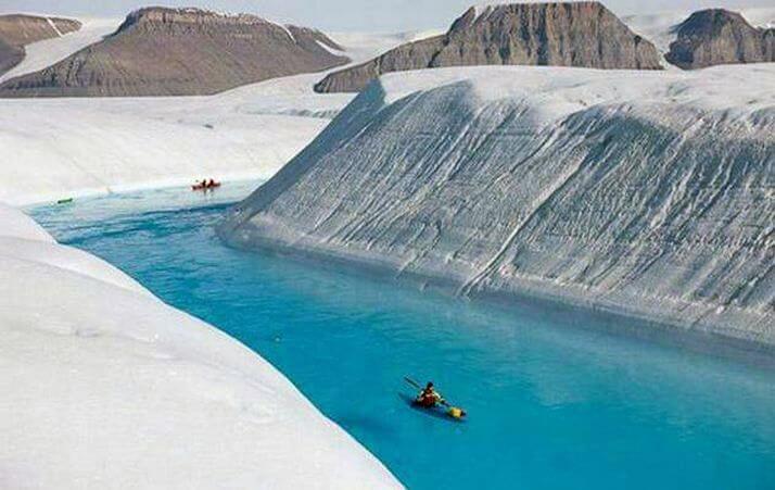 Синие реки в Гренландии