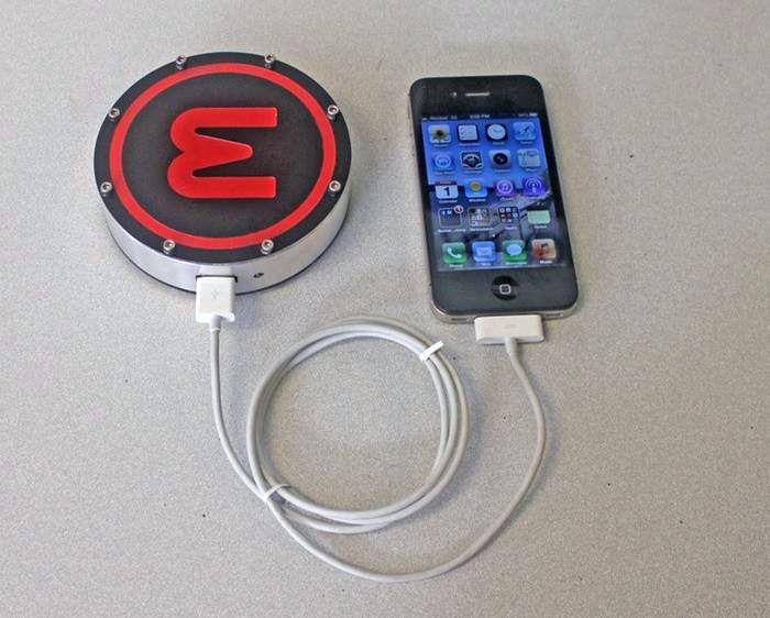 Тепловая зарядка для мобильного телефона