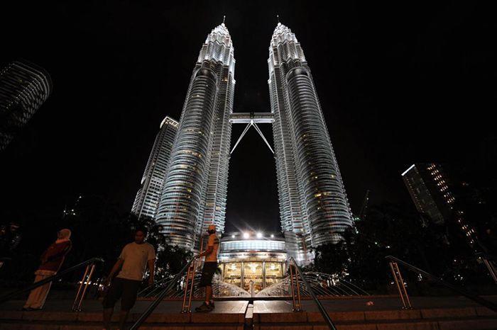 Вежі «Petronas»