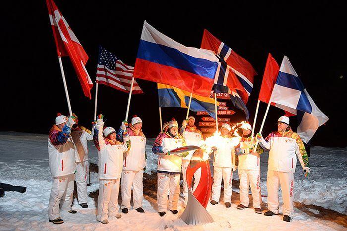 Дуже яскраві хвилини подорожі Олімпійського вогню 2014