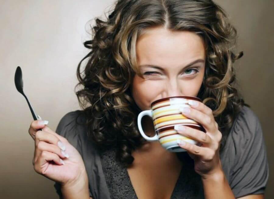 У женщин кофеин повышает половое влечения
