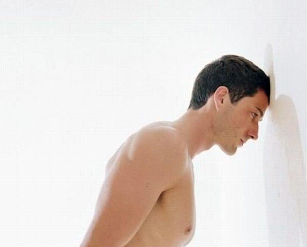 Ударяясь головой об стенку можно терять 150 калорий в час