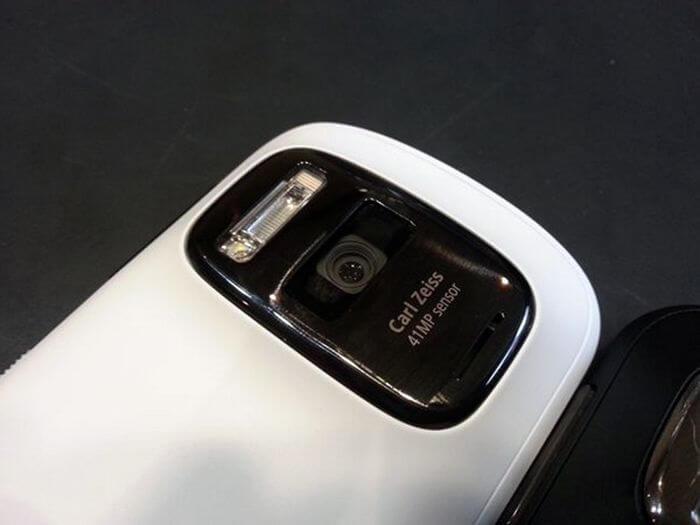 Nokia 808 – новітній гаджет з камерою в 41 мегапіксель