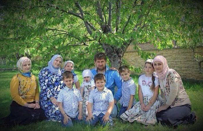 Как воспитывают чеченцев