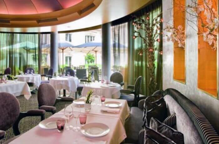 Готель «fouquet's Barrière» в Парижі